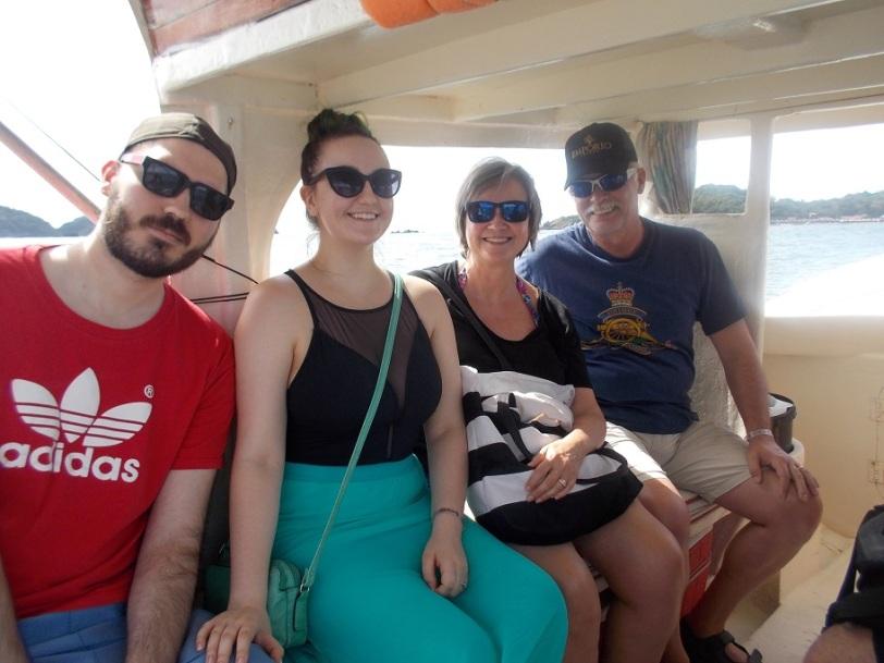 boat to Ixtapa Island