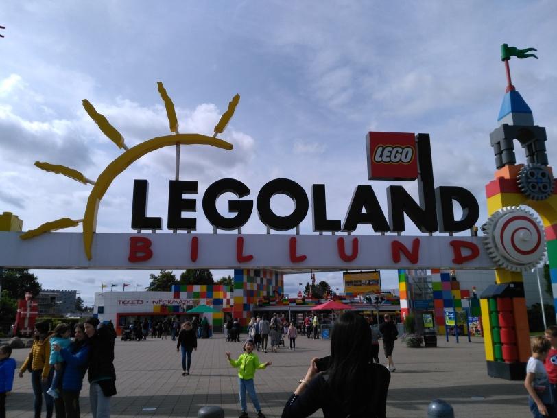 Legoland sign.jpg